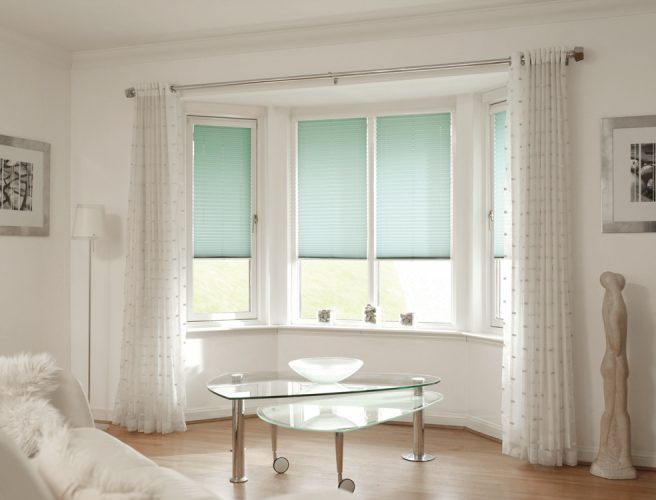 Pleated lmade to measure lounge blinds