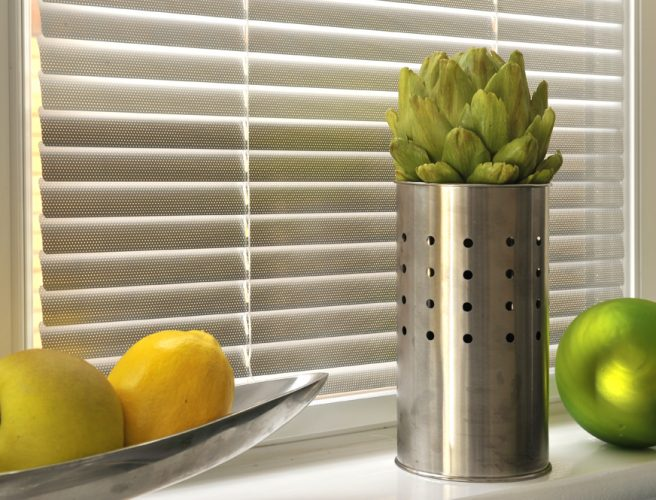 Metallic venetian blinds
