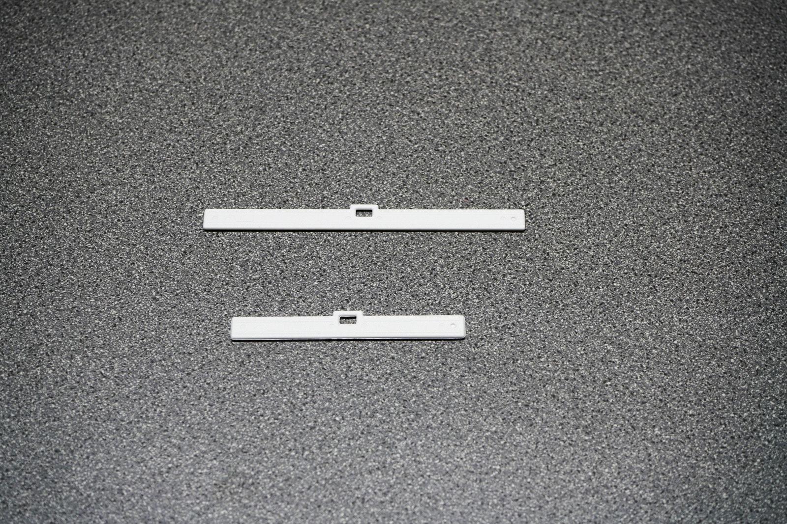 Lovre Hanger in White