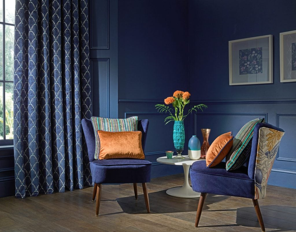 Blue curtains for the living room look super stylish